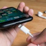 ¿Decimos adiós definitivamente al conector Lightning en los iPhone?